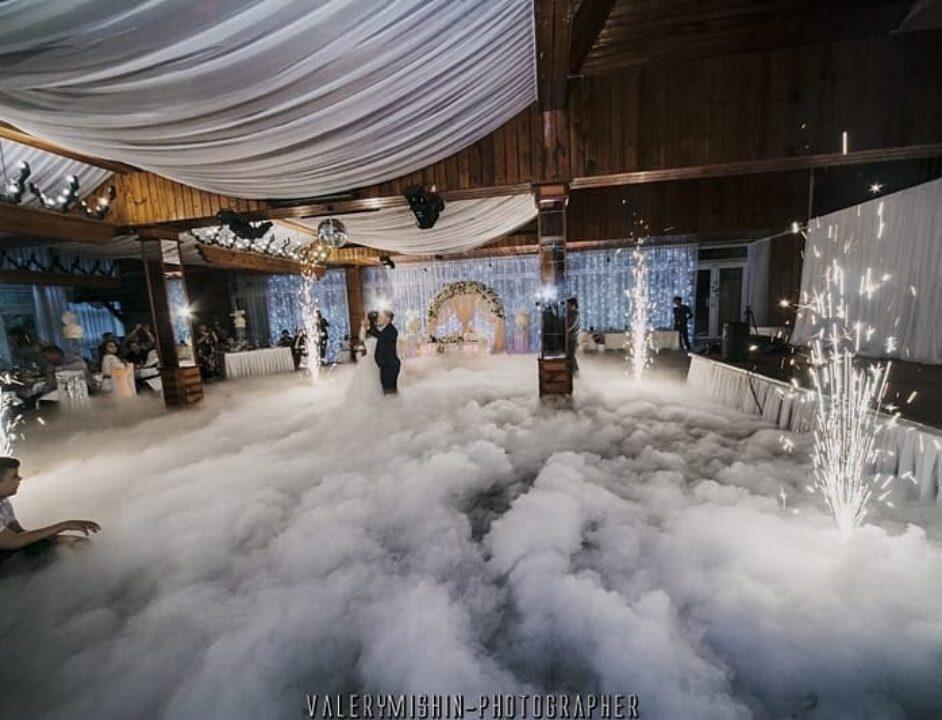 Тяжелый дым и холодные фонтаны на свадьбу